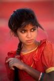 ילדה באדום