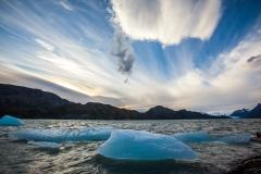 קרחון בים